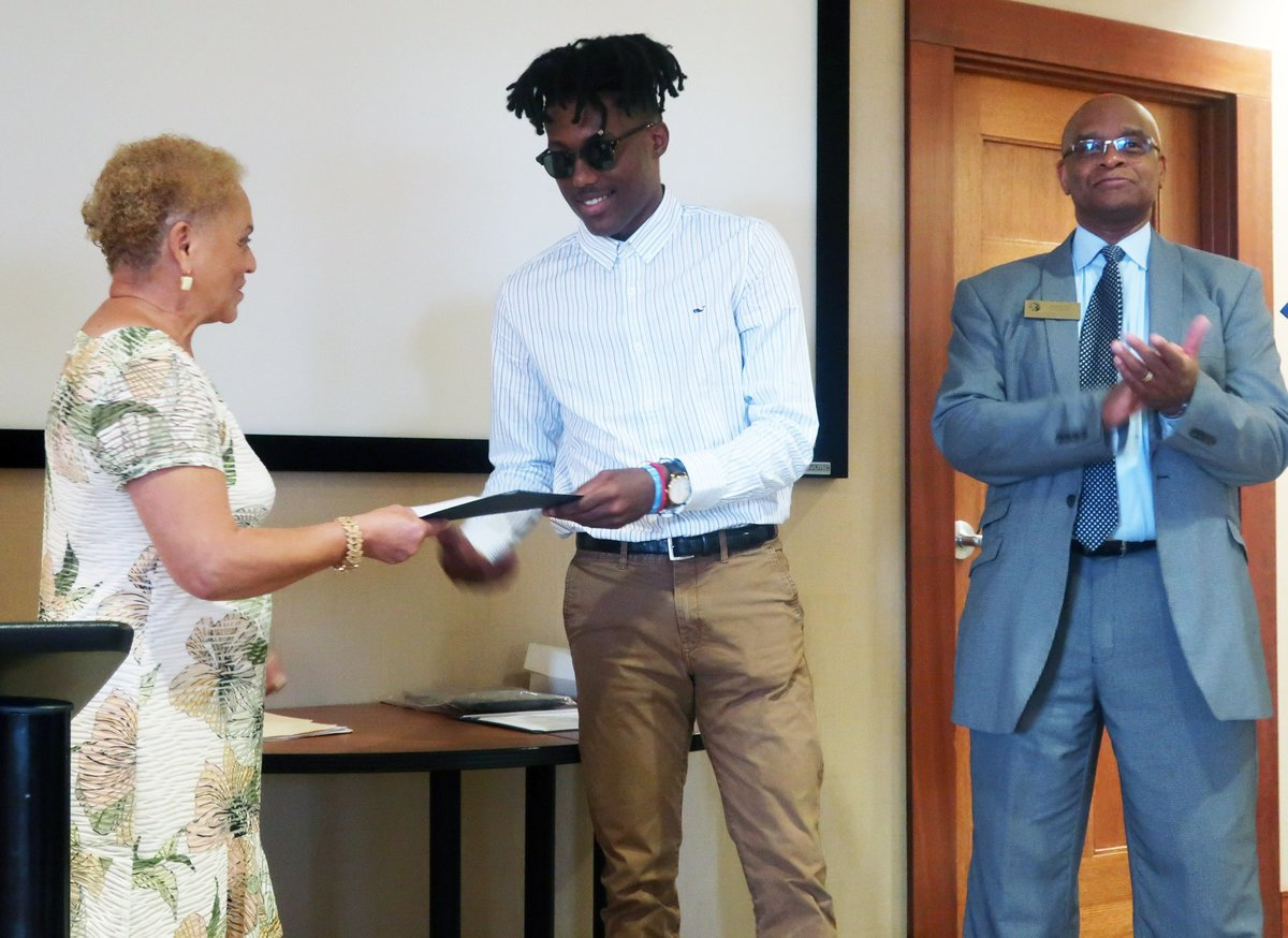 Navante Johnson '19 receives scholarship from The Martin Luther King, Jr. Association
